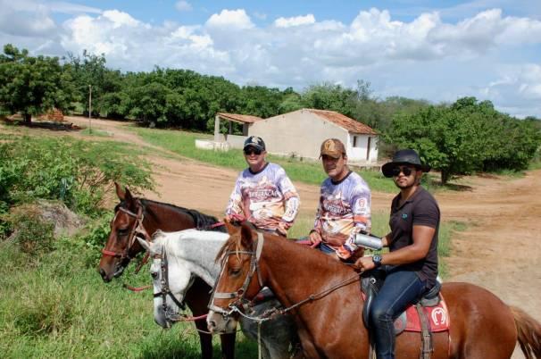 fotos-da-13ª-cavalgada-da-integracao-do-cariri-em-monteiro-10 FOTOS: 13ª Cavalgada da Integração do Cariri reúne centenas de cavaleiros em Monteiro.
