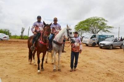 fotos-da-13ª-cavalgada-da-integracao-do-cariri-em-monteiro-15 FOTOS: 13ª Cavalgada da Integração do Cariri reúne centenas de cavaleiros em Monteiro.