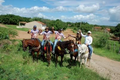fotos-da-13ª-cavalgada-da-integracao-do-cariri-em-monteiro-16 FOTOS: 13ª Cavalgada da Integração do Cariri reúne centenas de cavaleiros em Monteiro.