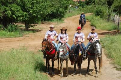 fotos-da-13ª-cavalgada-da-integracao-do-cariri-em-monteiro-17 FOTOS: 13ª Cavalgada da Integração do Cariri reúne centenas de cavaleiros em Monteiro.