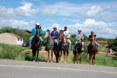fotos-da-13ª-cavalgada-da-integracao-do-cariri-em-monteiro-18 FOTOS: 13ª Cavalgada da Integração do Cariri reúne centenas de cavaleiros em Monteiro.