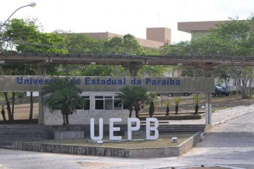 uepb-fachada-800x534-520x347 Tentativa de assalto na UEPB termina com segurança ferido