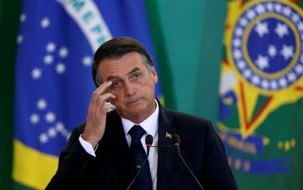 Bolsonaro_crise-623x390 'Engraçado; maconha pode, cloroquina não pode', diz Bolsonaro sobre projeto na Câmara