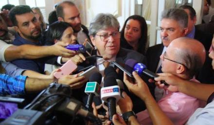 Governo de Bolsonaro cancelou recursos para barragem e dragagem do Porto de Cabedelo, diz João Azevêdo 1