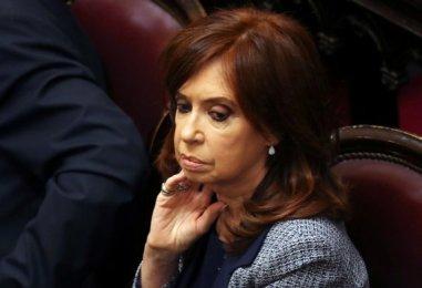 cristina-571x390 Ex-presidente Cristina Kirchner enfrenta quarta sessão de julgamento