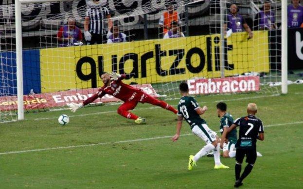 """5d33a41beeac9-623x390 Palmeiras cai diante do Ceará e ouve """"olé"""" no Castelão"""