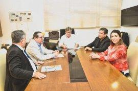 ana-592x390 Prefeita Anna Lorena participa de audiência com o Governador João Azevêdo