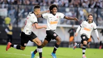 Vasco freia arrancada do São Paulo, vence e sobe na tabela do Brasileiro 1
