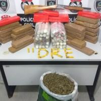 Polícia encontra 65 kg de maconha e cocaína, armas e explosivos em depósito de Campina Grande