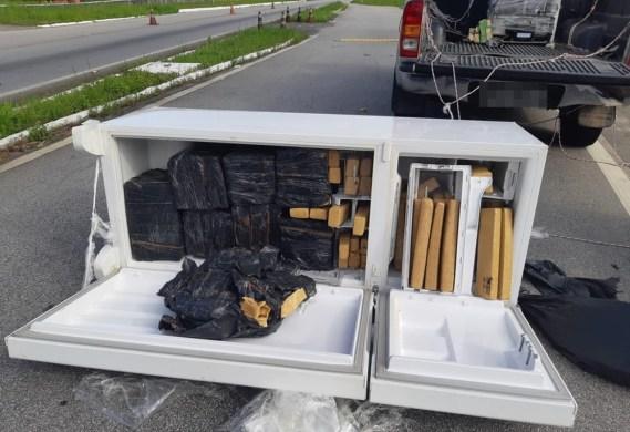 PRF apreende carro roubado que transportava geladeiras cheias de drogas na PB 1