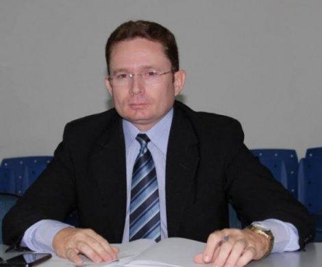 salesjuniorpatos-470x390 Renúncia em Patos: Sales Jr alega falta de recursos para Secretarias