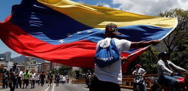Ministro da Defesa nega possível golpe de Estado na Venezuela 5