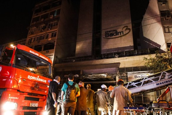 Incêndio-em-hospital-no-Rio-585x390 Incêndio em hospital no Rio deixa pelo menos dez mortos