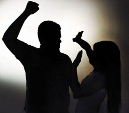 Violência-Doméstica-696x611-1 Mulher entrega arma do marido a polícia após sofrer agressão em Sertânia