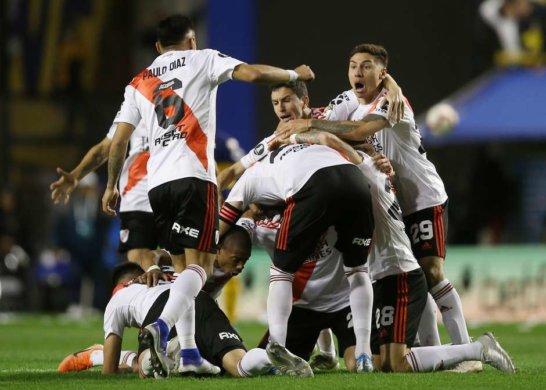 River-Libertadores-546x390 River perde para o Boca, mas vai à final da Libertadores
