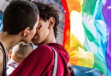 Justiça reafirma que governo deve retomar edital com obras de tema LGBT 10