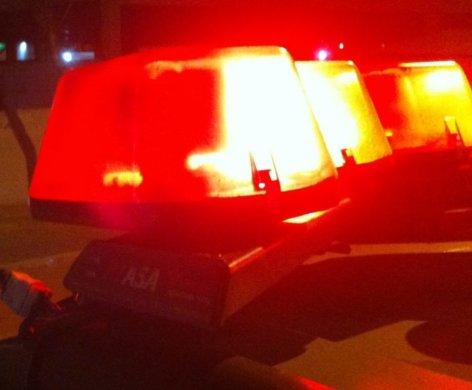 policia-sirene-1-11-e1570880987162-472x390 Homem é assassinado e veículos são queimados nas proximidades do crime