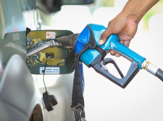 Gasolina-Posto-C107aminhoneiros-868x644-1-539x400 Gasolina e diesel ficam 3% mais baratos nas refinarias a partir desta terça