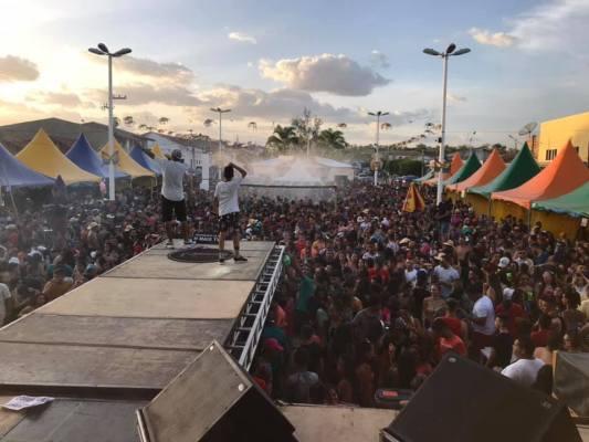 87961827_1464092517089999_4521817487070724096_n-533x400 Carnaval de São João do Tigre foi encerrado nesta terça com 03 super atrações