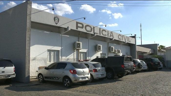 central-de-policia-civil-campina-grande-700x394 Homem é preso suspeito de fazer 'delivery' de drogas, em Campina Grande