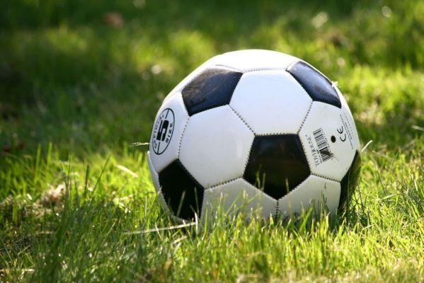 bola-599x400 Botafogo-PB sofre gol aos 40 do 2º tempo e só empata com o SP Crystal no Almeidão