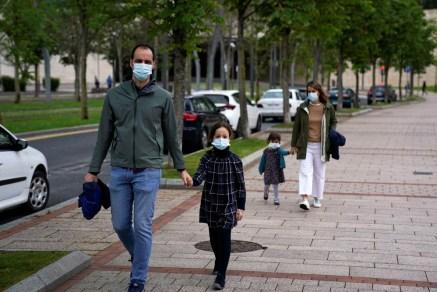 MUNDO Mundo se aproxima dos 3 milhões de infectados e tem 206 mil mortes