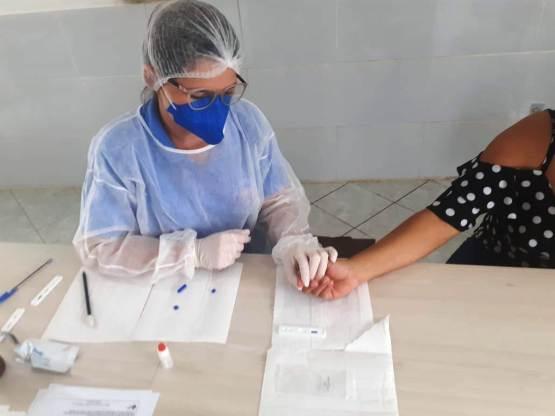 Prefeitura-de-Monteiro-testa-profissionais-de-saúde-contra-o-Covid-193 Monteiro tem mais 19 casos positivos confirmados para Covid-19