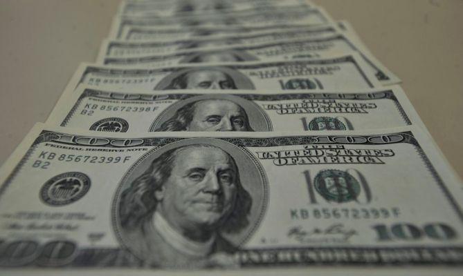 dolar_6-669x400 Bolsa fecha em alta, e dólar cai para R$ 5,4190