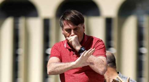 """bolsonaro """"Enfia no rabo de vocês da imprensa essas latas de leite condensado"""", diz Bolsonaro"""