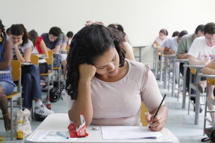 concurso-marcos-santos-usp-imagens-1-696x464-1 Governo da Paraíba convoca mais 594 aprovados no concurso para professor da rede estadual