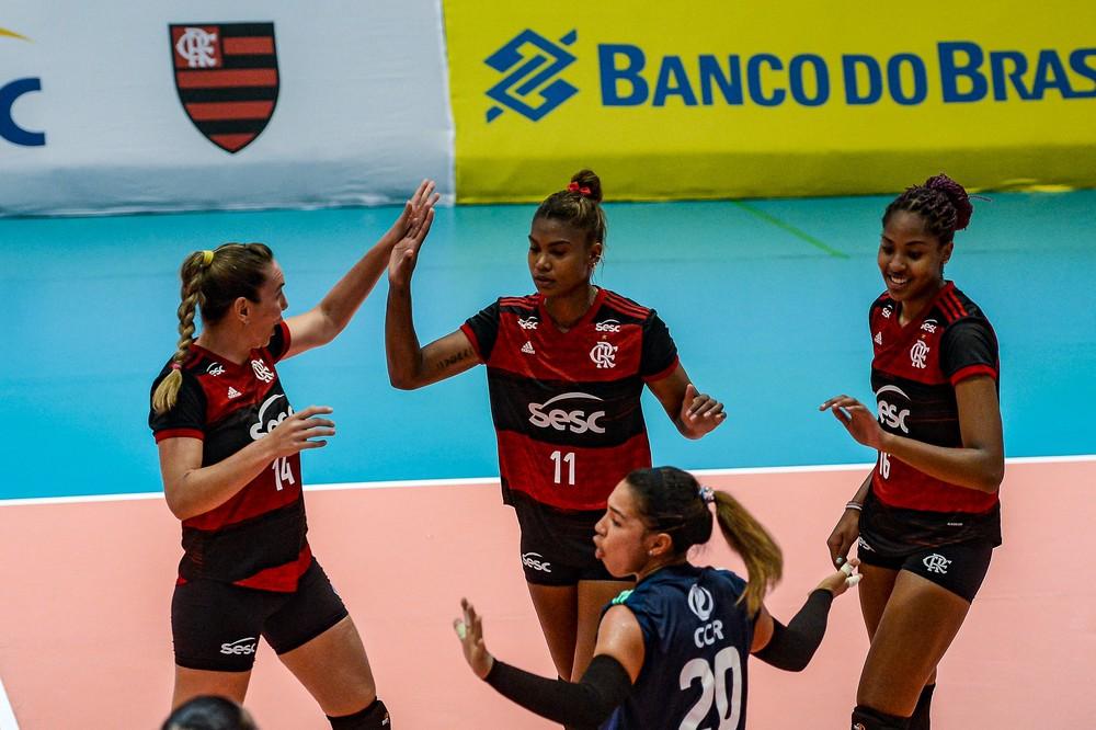 50815340492-995e5efc98-k No embalo de Lorenne, Sesc-Flamengo passeia e atropela o Fluminense na Superliga