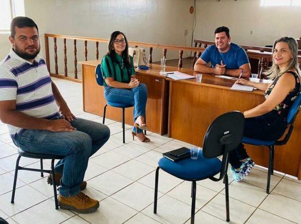 GENIVAL-TEMBORIO-MADALENA-ARUDA-SEBRAE-e1611482536417 O prefeito de Prata, Genivaldo Tembório se reúne com secretários e gerente do Sebrae