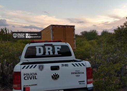 PC Polícia Civil recupera na cidade do Congo caminhão com carga de panelas de pressão que havia sido roubado em Catolé do Rocha