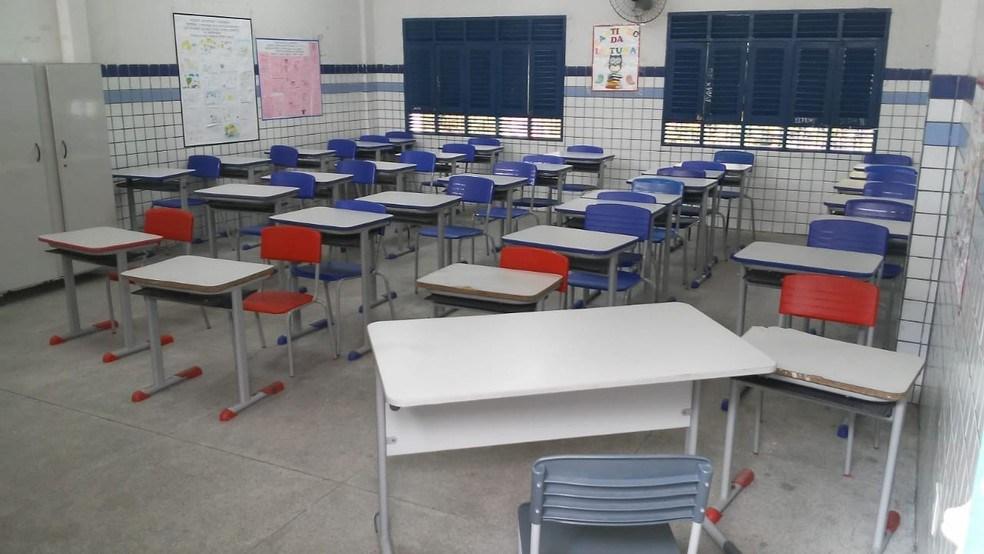 escola-jp Novo decreto mantém abertura de igrejas, comércio e serviços e libera aulas presenciais para autistas e concluintes de faculdades