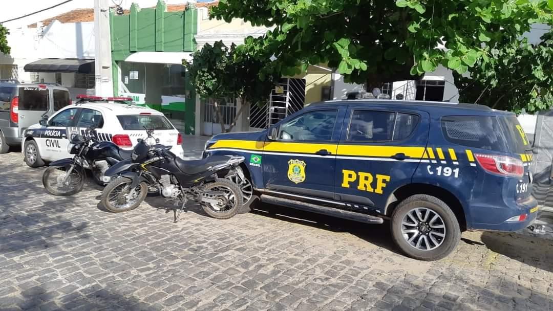 FB_IMG_1615484367623 Duas motocicletas são recuperadas pela PRF em ação conjunta com Polícia Civil em Serra Branca