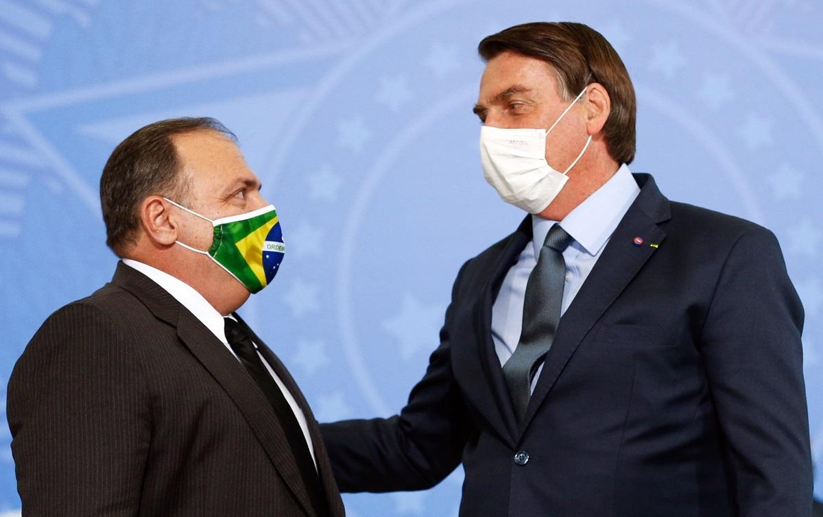 bolsonaro-e-pazuello Bolsonaro se reúne com Pazuello e mais 3 ministros em Brasília