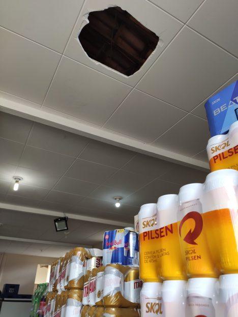 1619708229227-scaled Bandidos furtam bebidas e cigarros em loja de conveniência no centro de Monteiro