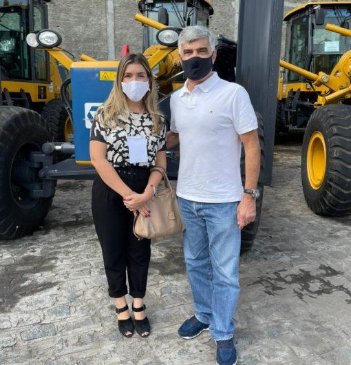 Anna-Lorena-recebe-escavadeira-hidraulica-2-e1619783913980 Monteiro é contemplada com Escavadeira Hidráulica nova para os trabalhos na zona rural do município