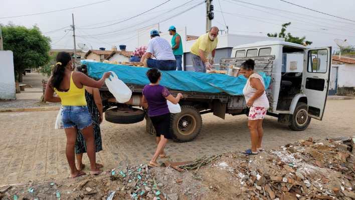 IMG-20210402-WA0077 Projeto Social: realiza mais uma ação com distribuição de pães em Monteiro