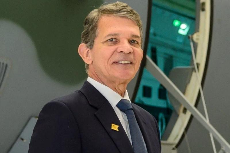 Joaquim-Silva-e-Luna Conselho confirma general Silva e Luna na presidência da Petrobras