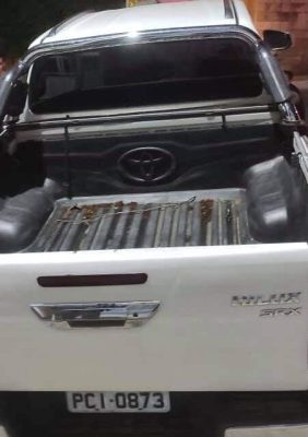 WhatsApp-Image-2021-04-04-at-20.35.22-e1617581651771 Toyota Hilux é encontrada abandonada na zona rural de Camalaú