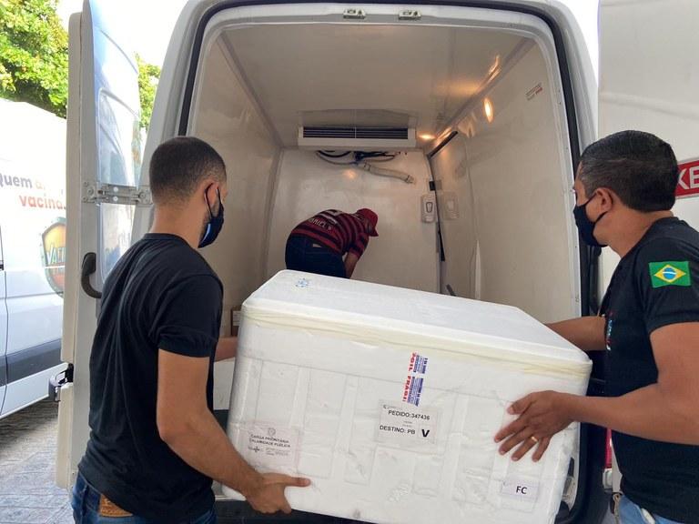 a8a41fac-b669-4464-ae29-885ddbd451d7 Paraíba distribui mais uma remessa de doses da vacina contra Covid-19 para todos os municípios