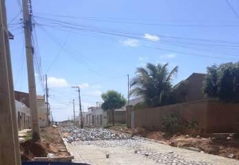img_202104011213i47f Pavimentações do programa cidade trabalho II chegam a rua Leonor Maria da Conceição