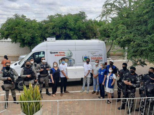 vacina Confira quantas doses chegam em nova remessa de vacinação para Monteiro e cada cidade do Cariri