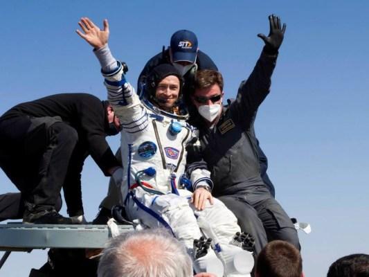 1618689466904-533x400 Astronautas voltam à Terra após quase seis meses na Estação Espacial Internacional