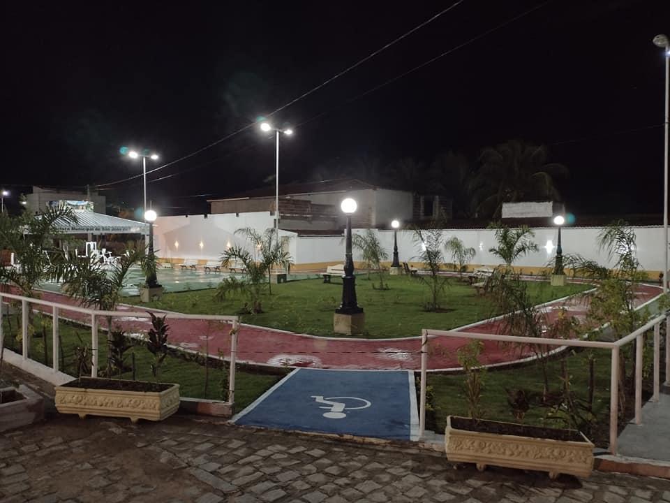 182940760_3987716861347107_1245121809619831286_n Prefeito de São João do Tigre vistoria obras da praça Possidônio Bezerra de Carvalho