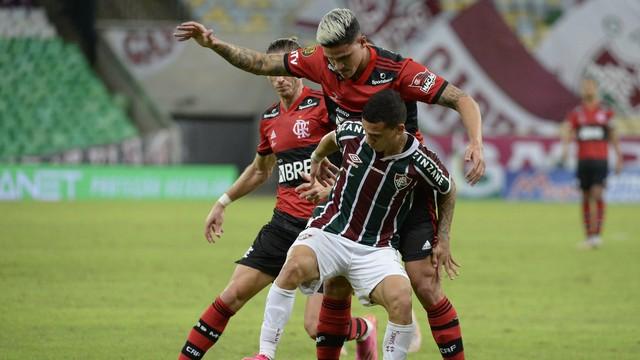 85 Com nove cartões, primeiro jogo da final do Carioca termina empatado entre Fluminense e Flamengo