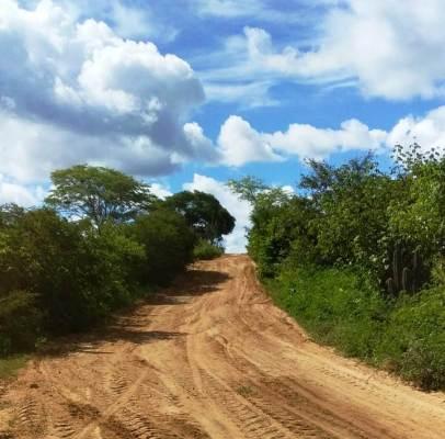 DER-conclui-patrolamento-de-rodovia-estadual-na-zona-rural-de-Monteiro-406x400 DER conclui patrolamento de rodovia estadual na zona rural de Monteiro