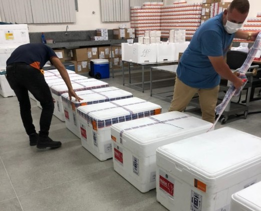 astraze01 Paraíba recebe 70.500 doses da vacina Astrazeneca e espera mais dois lotes até segunda-feira (10)