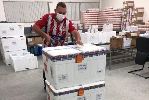 coronavac_vacinas Paraíba recebe novas doses da vacina Coronavac; distribuição acontece neste domingo